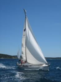Sailing with Sailing School Brittany