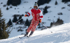How to carry your skis like a 'ski pro Megeve' does and not kill anyone!