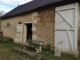 Rural house, outbuildings and 6 hectres